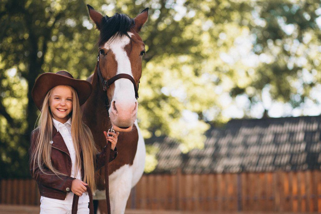 רכיבה על סוסים לילדים